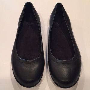 🐊 CROCS leather ballet shoes